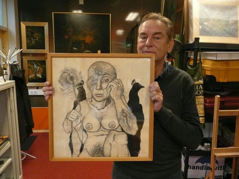 Leo van der Kruk met Pauwenvrouw, balpen en oostindische inkt