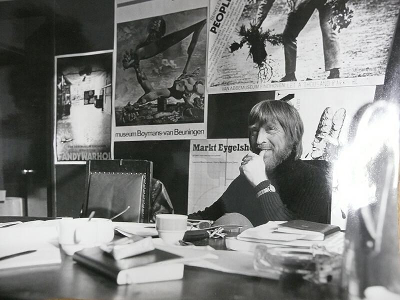 George Lampe in zijn kantoor, ca 1970