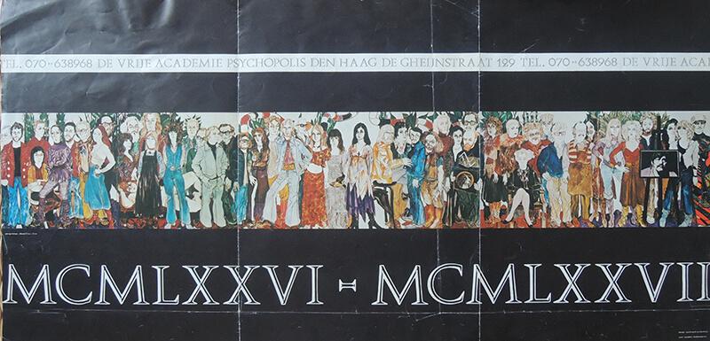 Affiche met begeleiders, modellen en studenten van de Vrije Academie (gemaakt door George Lampe). Zevende van rechts (met een roos in de mond) is Ger Jansen.