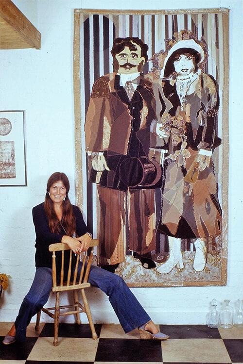 Ger Jansen voor een van haar wandkleden, jaren '70