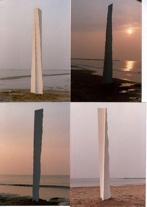 Vier strandzuilen (Frans Vierling)