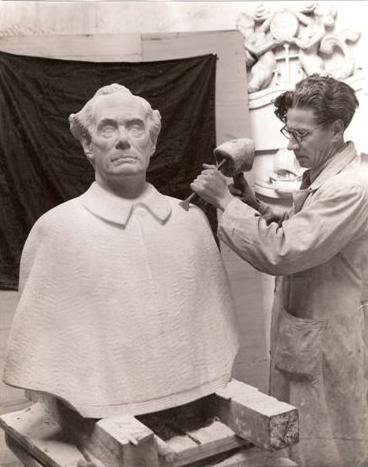Borstbeeld van dr ir M.H. Damme, directeur PTT (Leen Blom, 1947)