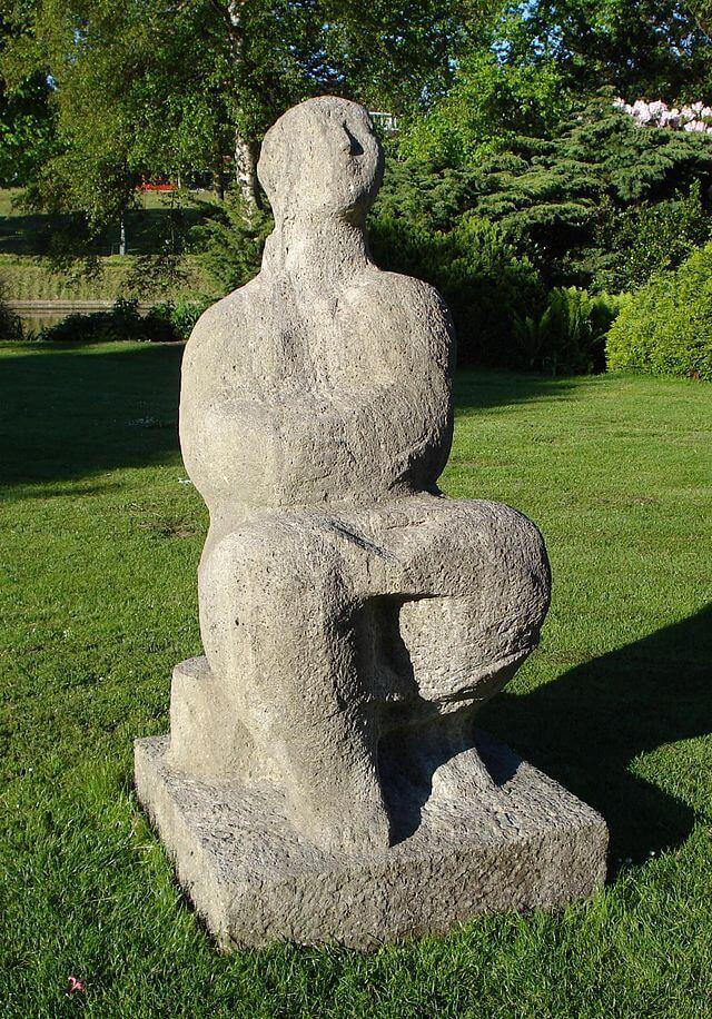 Zittende vrouw (Theo van der Nahmer)